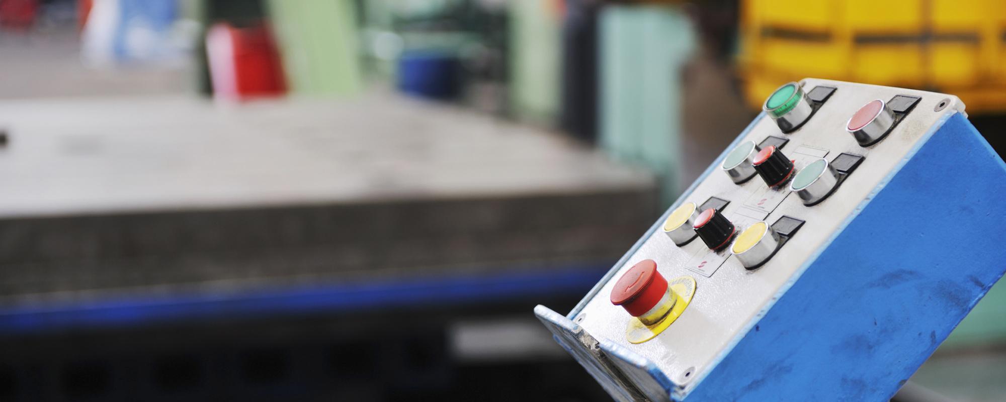 Der Betrieb kann aufgrund eines Sachschadens (Feuer, Sturm etc.) ganz oder teilweise nicht mehr aufrechterhalten werden bzw. im schlimmsten Fall                       kommt zum Betriebsstillstand. Die Folgen für den Betrieb: Erhebliche finanzielle Auswirkungen durch Gewinnverlust, da Fixkosten wie Miete und Nebenkosten sowie Löhne und Gehälter                       weiter bezahlt werden müssen. Kundenabwanderungen und Wettbewerbsnachteile. fullsize