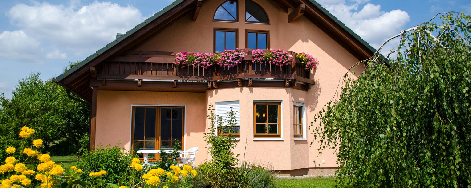 Unwetter, Erdbeben, Brände, korrodierte Rohre, Überschwemmung - selbst das solideste Haus kann dadurch stark beschädigt werden. Diese                       Schäden wirklich komplett zu vermeiden, ist fast unmöglich!                       Das sind Risiken, die ständig Ihr Gebäude bedrohen. fullsize